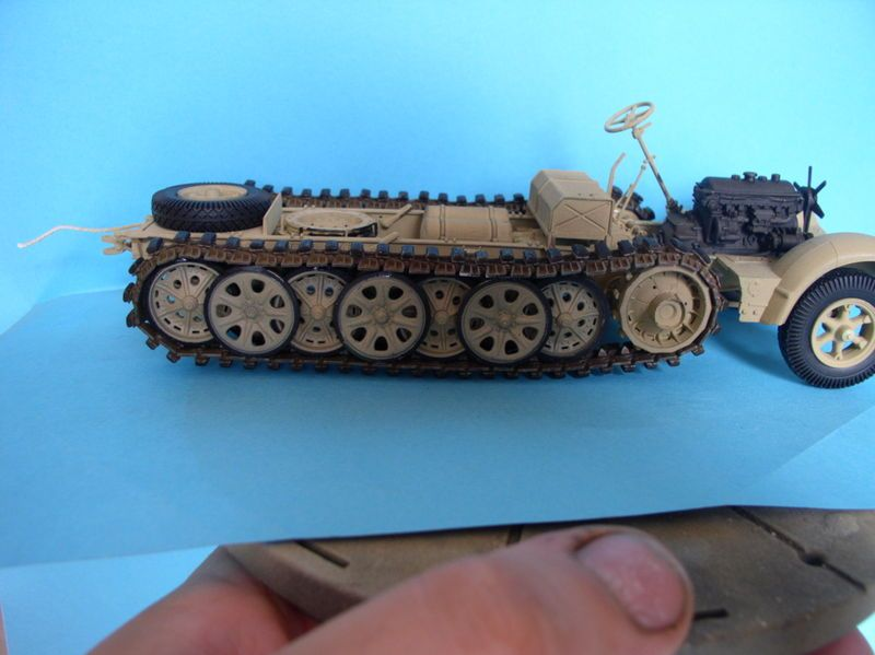 Sd.Kfz.7/1 late version whit Sd.Anhager 52 Trumpeter 1/35( Montage en cours) UP 25/05 - Page 3 48337862