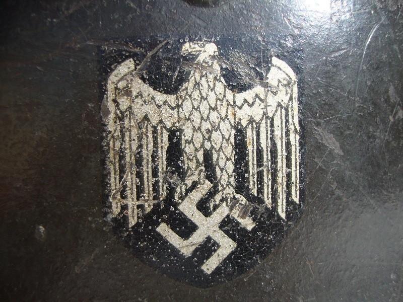 Casque allemand modèle 42 avec insigne PmLjzM