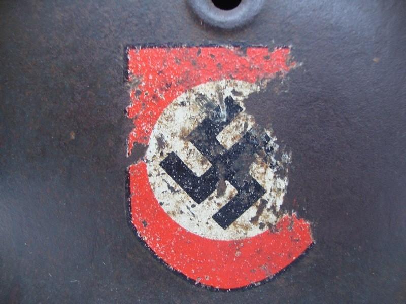 Casque allemand modèle 42  Polizei DD Jus de grenier intouché AoU862
