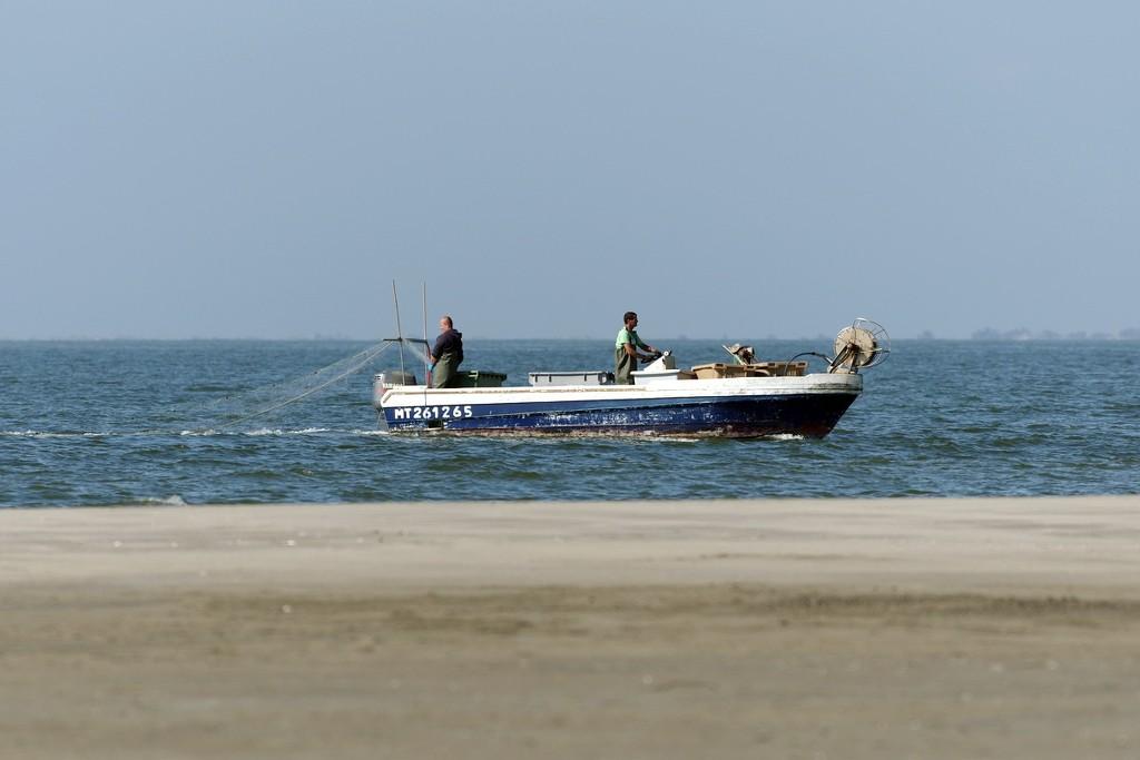 Warning filet de pêche à port Camargue EhX5Ci