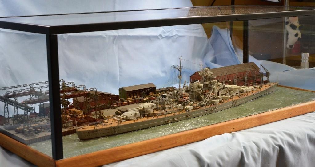 Grande grue 250 t port de Hambourg et Bismarck au 1/350 - Page 17 SwUEJE