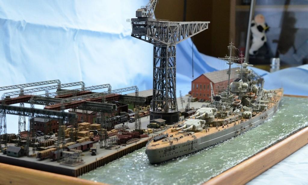 Grande grue 250 t port de Hambourg et Bismarck au 1/350 - Page 17 1gQT5u