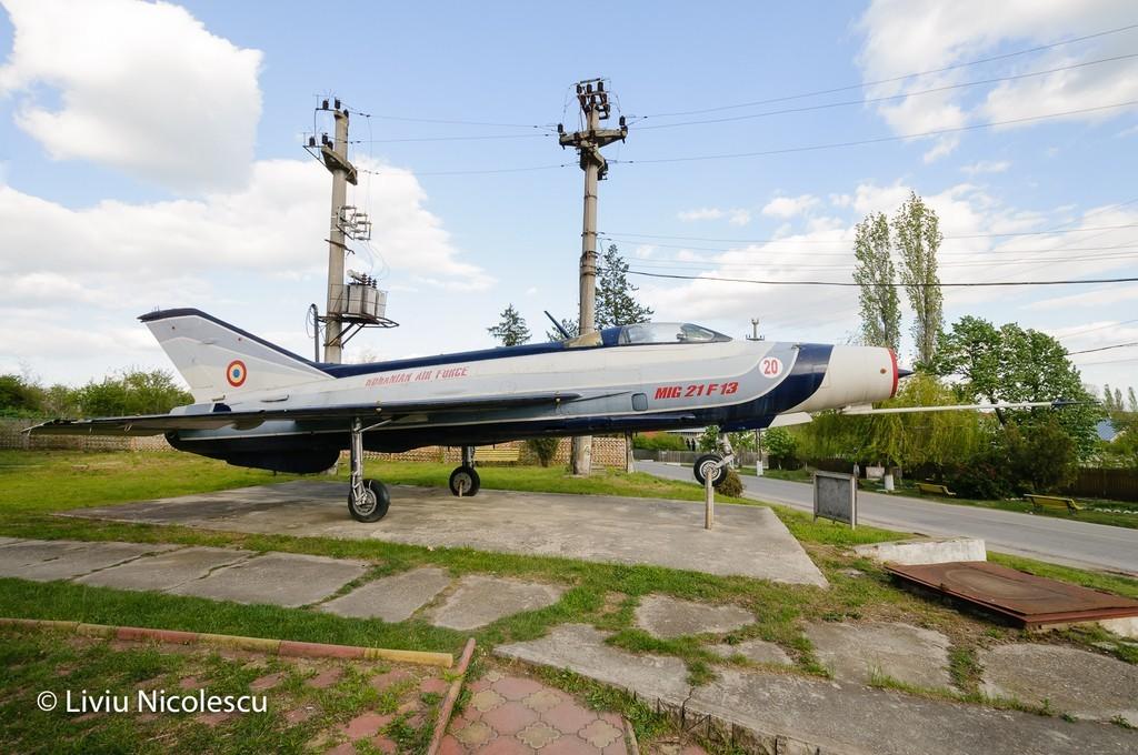 MiG-21 la Balaci - Pagina 2 FSlPSF