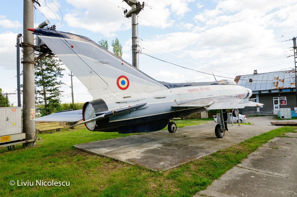 MiG-21 la Balaci - Pagina 2 ZxK6Ox
