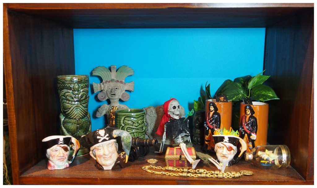 It's TIKI TIME! Let's See Those Home Tiki Bars, Rooms, and Lounges! - Page 2 2TjF1o
