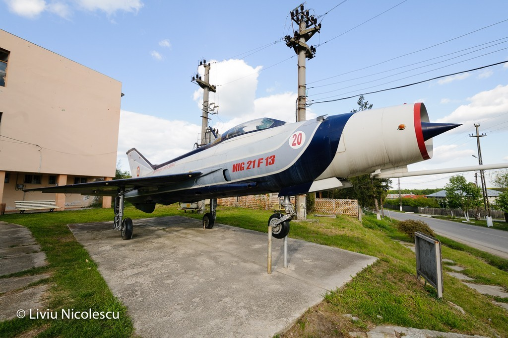 MiG-21 la Balaci - Pagina 2 7mPDkU