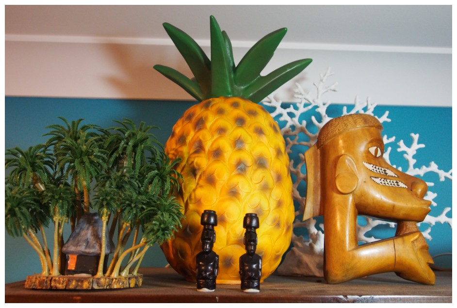 It's TIKI TIME! Let's See Those Home Tiki Bars, Rooms, and Lounges! - Page 2 PMugkt