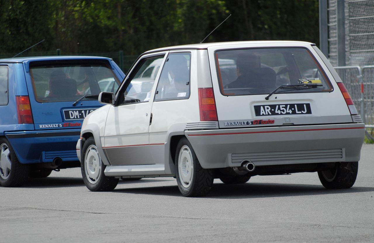 Les 30 ans de la Super 5 GT Turbo à La Châtre NqVcBB