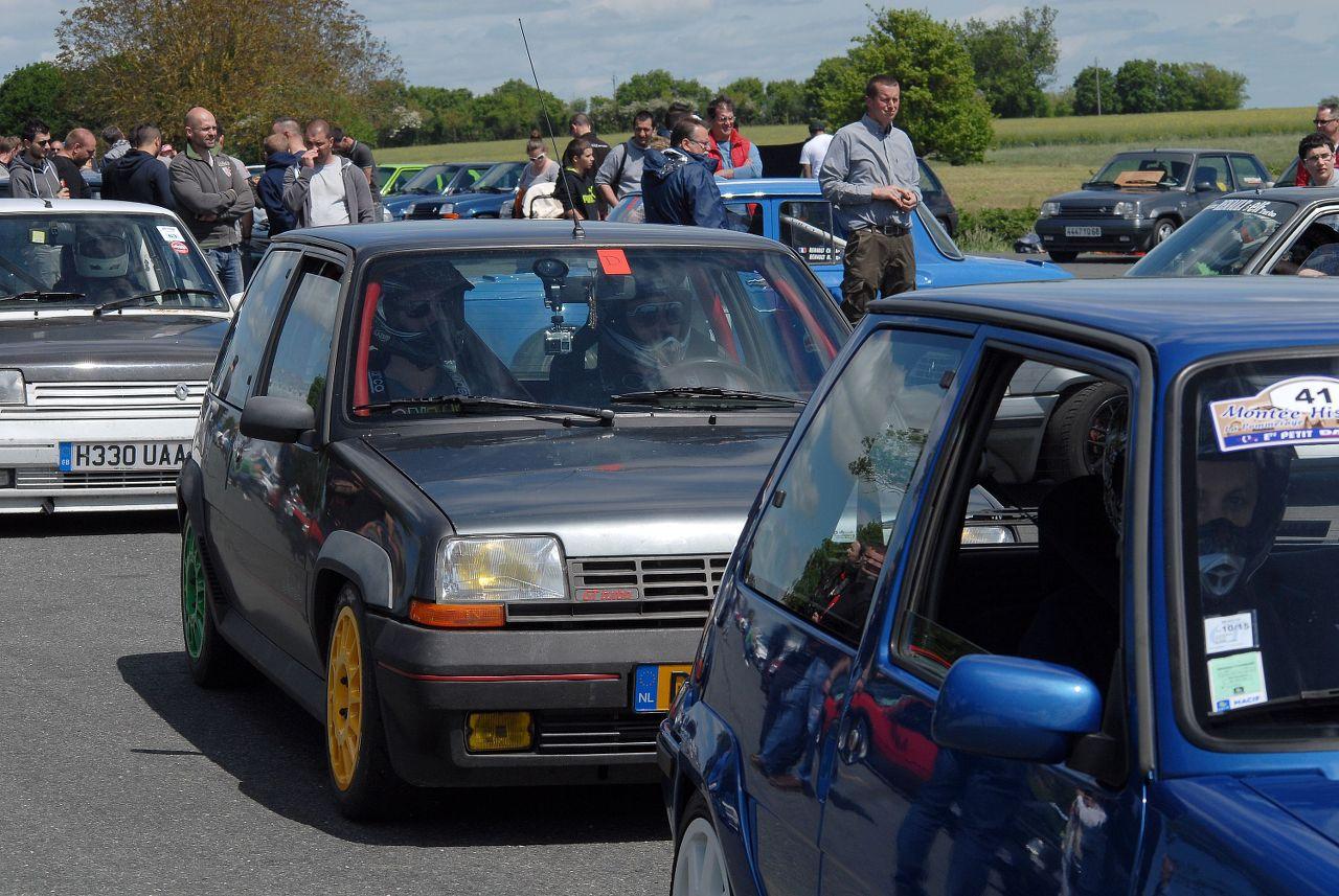 Les 30 ans de la Super 5 GT Turbo à La Châtre ZMoasq