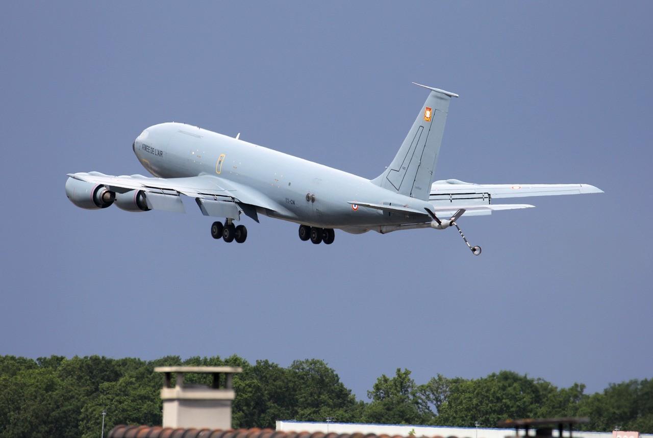 Boeing KC-135 Stratotanker Armée de l'Air 525 / 93-CN  & divers le 12.05.14 35f0q