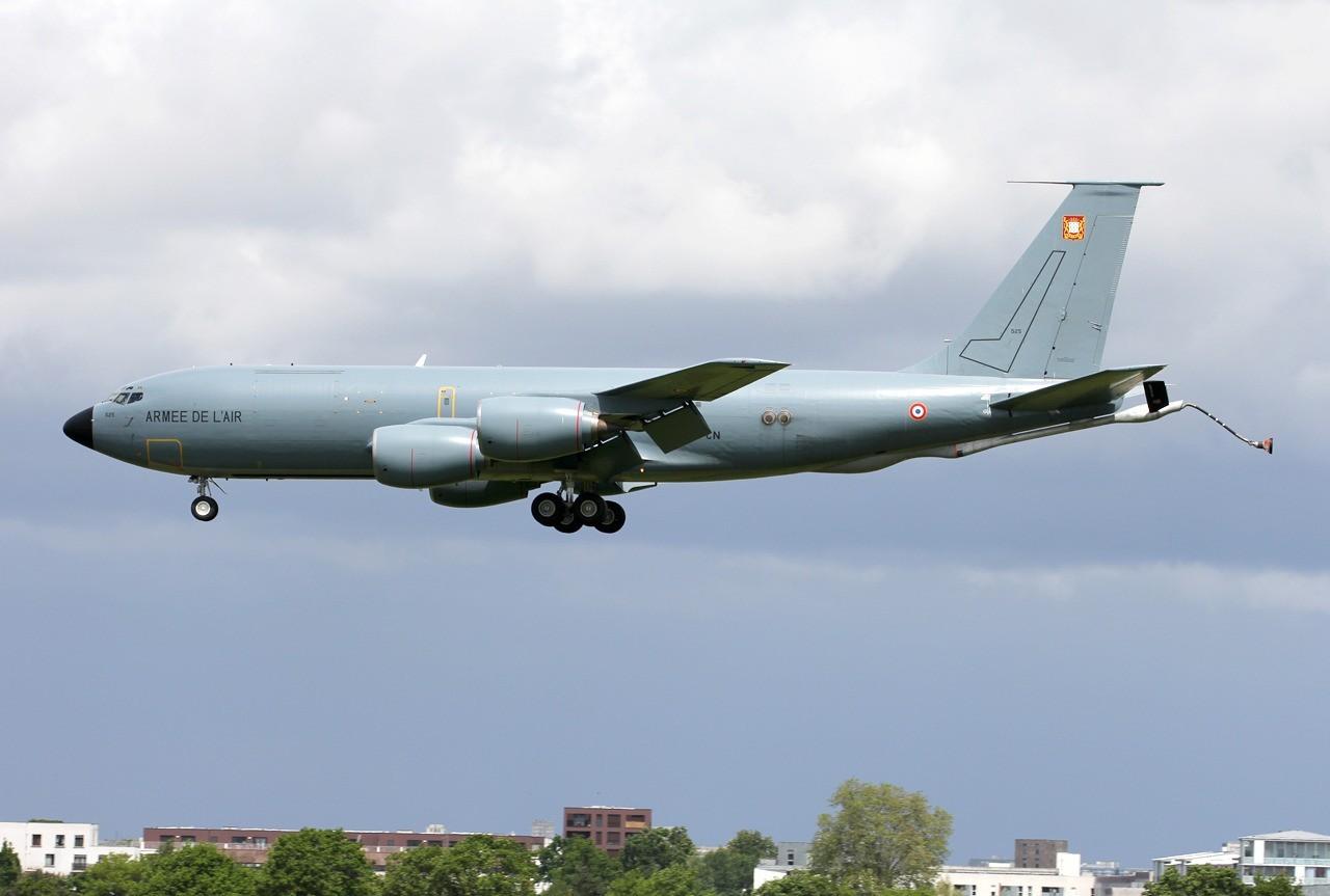 Boeing KC-135 Stratotanker Armée de l'Air 525 / 93-CN  & divers le 12.05.14 1qm8