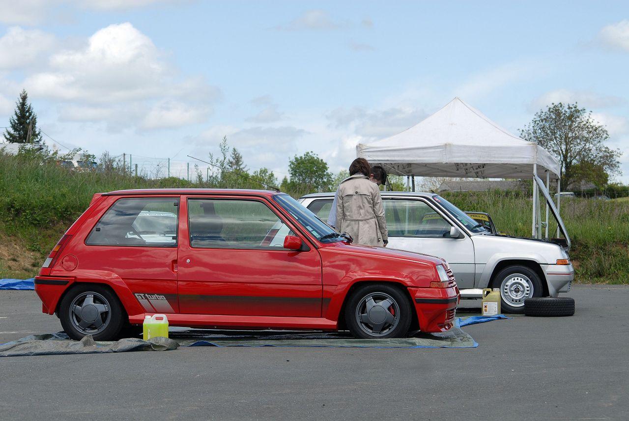 Les 30 ans de la Super 5 GT Turbo à La Châtre PriwA8