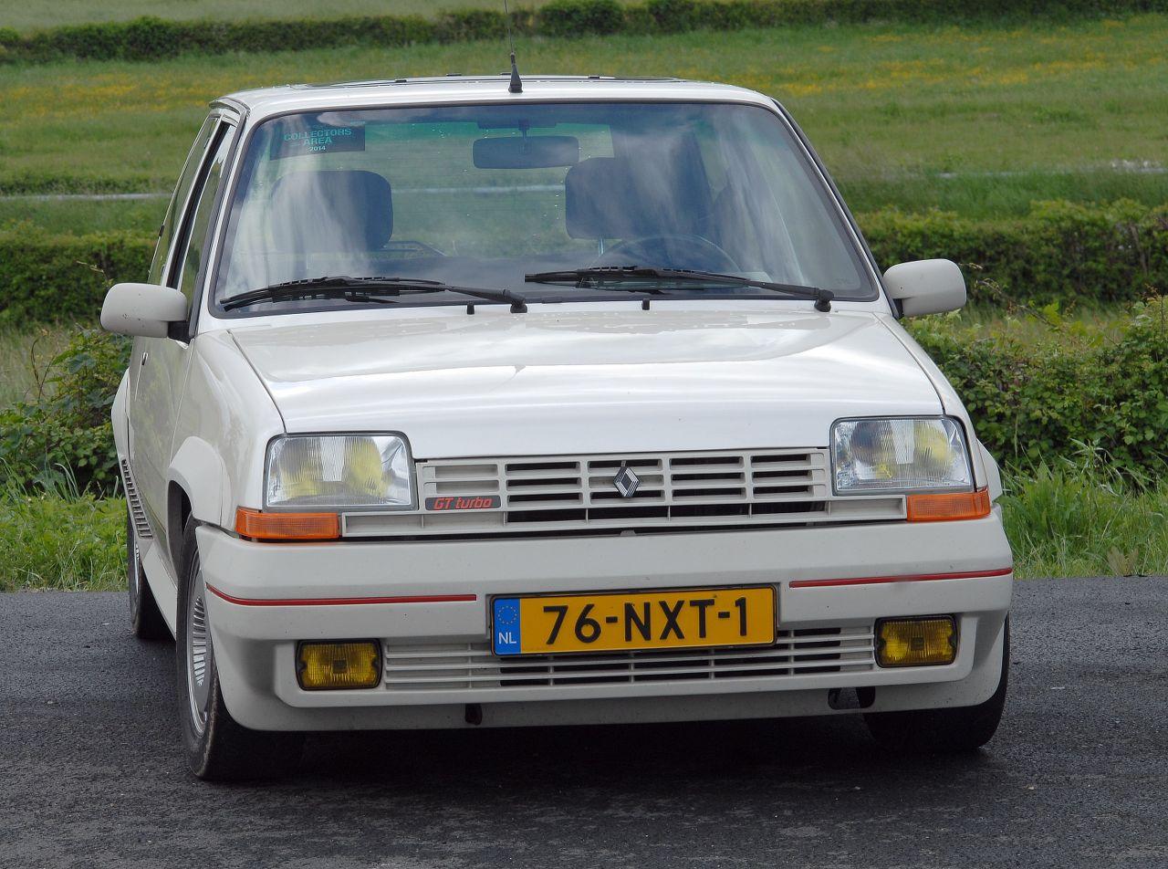 Les 30 ans de la Super 5 GT Turbo à La Châtre PtiYD3