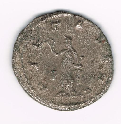 Antoniniano de Salonina. PIETAS AVG. Pietas estante a izq. Ceca Roma. 5EM7fa