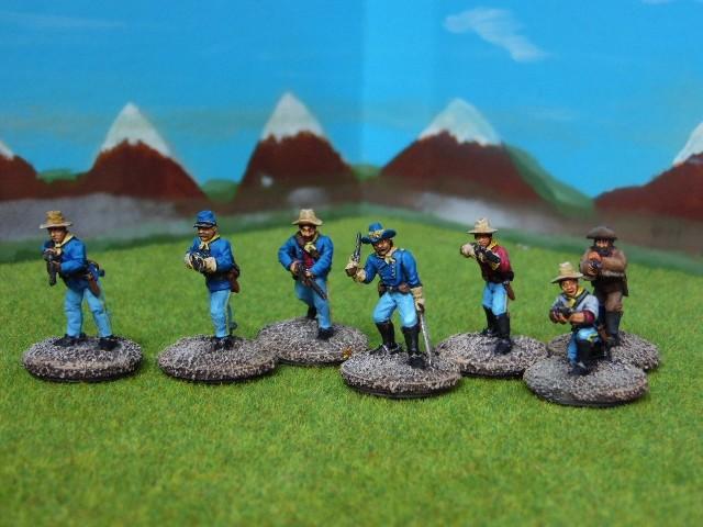 Soldats à pied du 7th de cavalerie US. HcjY5x