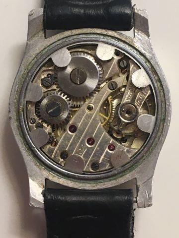 Jaeger -  [Postez ICI les demandes d'IDENTIFICATION et RENSEIGNEMENTS de vos montres] - Page 42 ZEcAqC