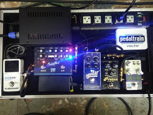 Curiosidade quanto a um set com amplificador não de contrabaixo - Página 6 GFkWM5
