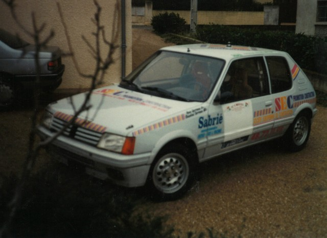 205 GTI 1.6 Gr. N et Gr. A / E.SENEGAS (1988 à 1991) CbhyxF