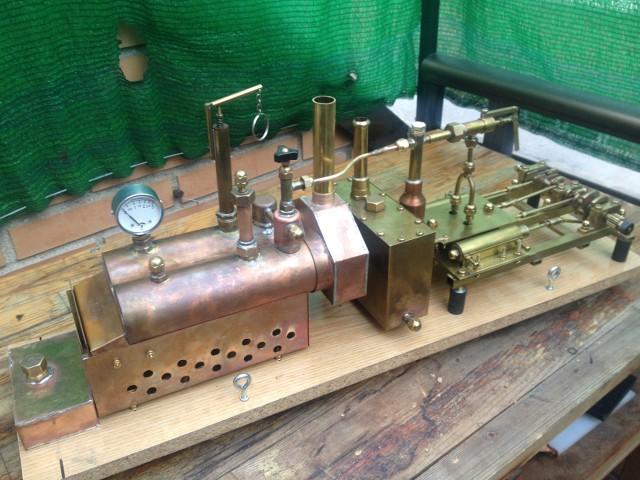 Machine à vapeur de deux cylindres construits manuellement. ETTR6E