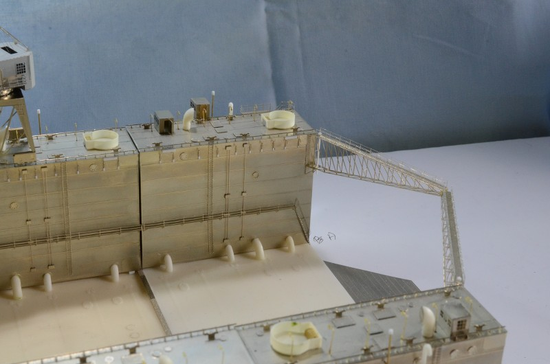 ABSD ARTISAN et USS MASSACHUSETTS BB-59 au 1/350 - Page 5 GcKa9C