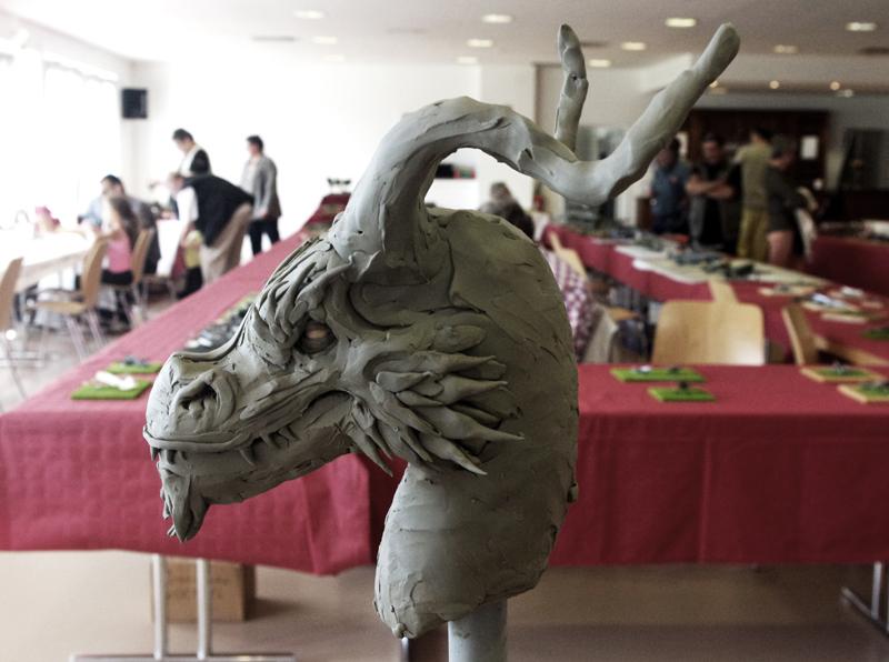 Drakh le dragon VVq9MH