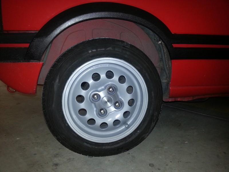 [brioche31]  205 GTI 1L6 - 1600 - Rouge Vallelunga - 1988 - Page 4 ZnGQlm