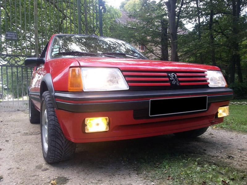 [brioche31]  205 GTI 1L6 - 1600 - Rouge Vallelunga - 1988 - Page 3 OBfA5x
