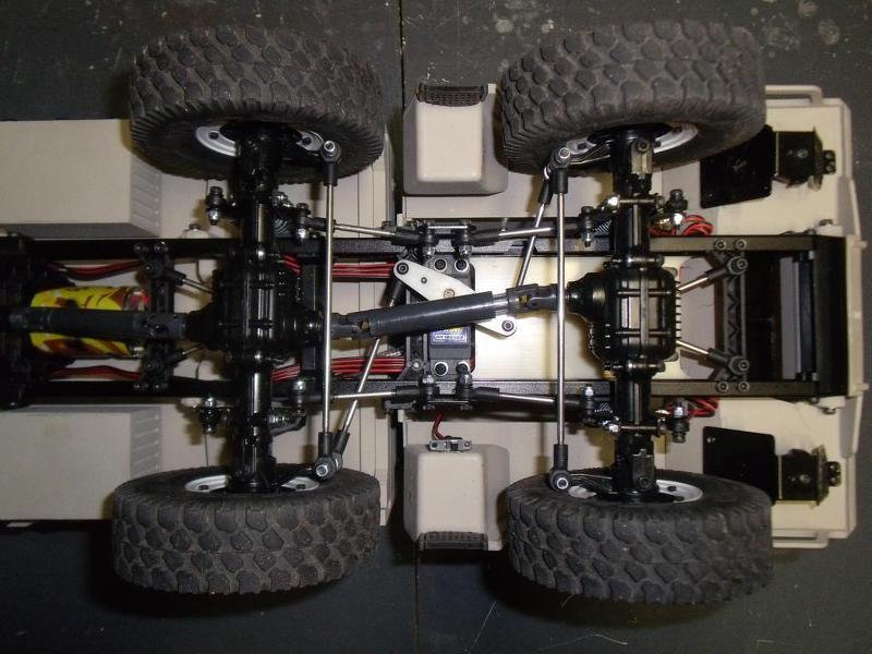 CROSS-RC  Camions 6x6 et 8x8 4zcf