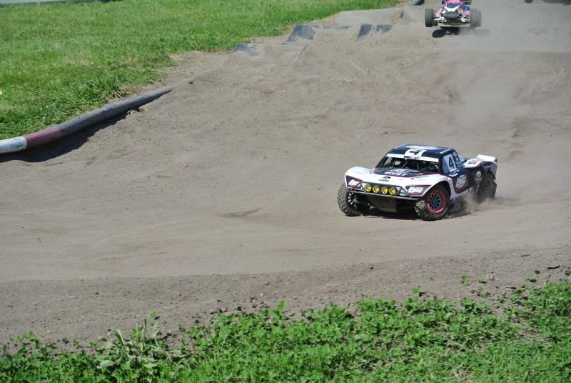 [Reportage course] GP - AMR33 du 7/8 Juin 2014 - Page 2 0tjz