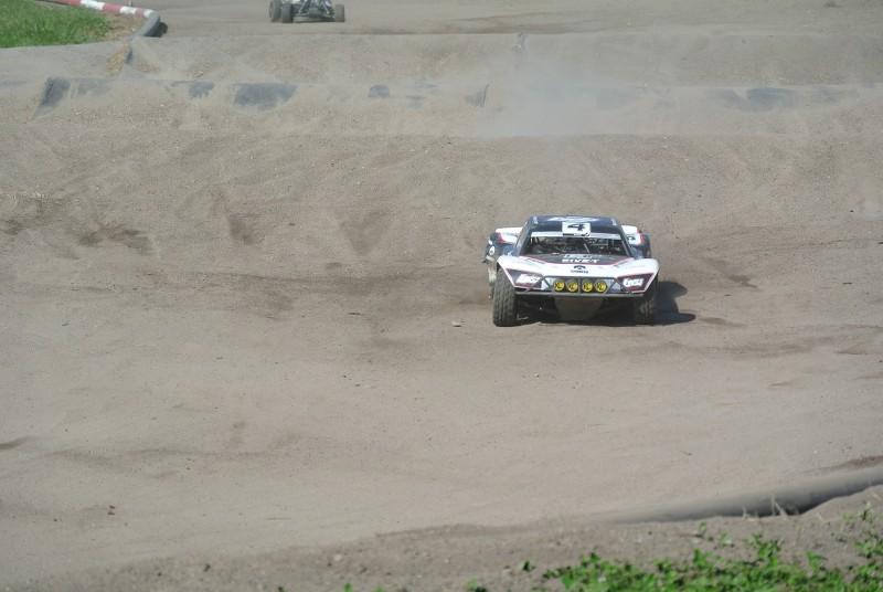[Reportage course] GP - AMR33 du 7/8 Juin 2014 - Page 2 8l3vg