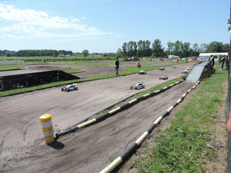 [Reportage course] GP - AMR33 du 7/8 Juin 2014 - Page 2 9beg