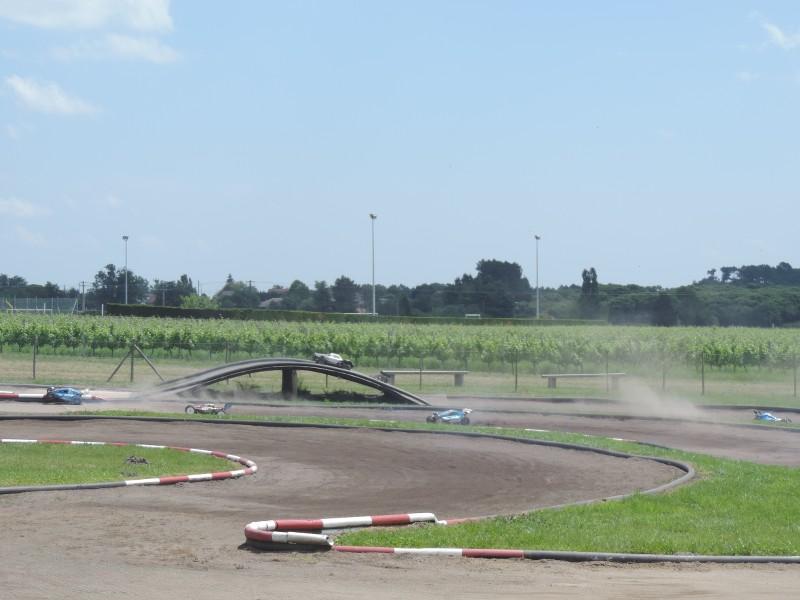 [Reportage course] GP - AMR33 du 7/8 Juin 2014 - Page 2 H6sz