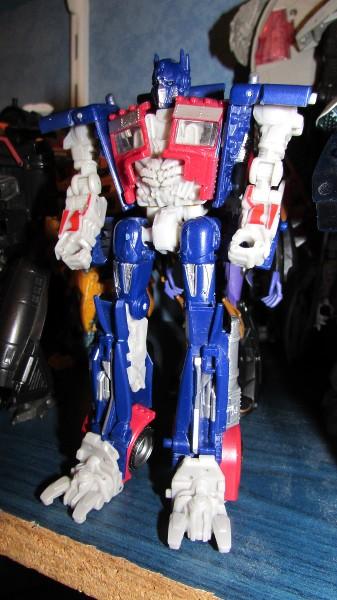 Astuces pour réparer vos Jouets Transformers - Page 4 Fyft0k