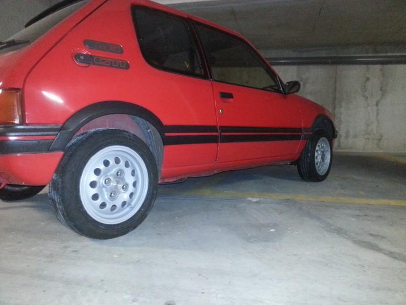 [brioche31]  205 GTI 1L6 - 1600 - Rouge Vallelunga - 1988 - Page 4 HZlhVH