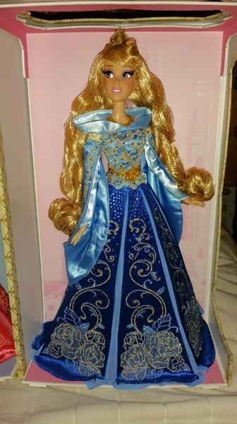 Disney Store Poupées Limited Edition 17'' (depuis 2009) - Page 38 Ltx1kc