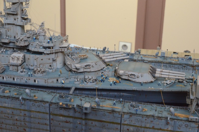 Diorama Terminé du Dock Flottant ABSD et cuirassé BB-59 au 1/350 de Trumpeter NDaBFY