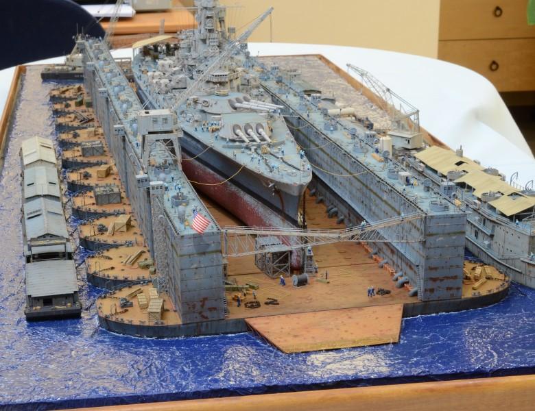 Diorama Terminé du Dock Flottant ABSD et cuirassé BB-59 au 1/350 de Trumpeter KoWfza