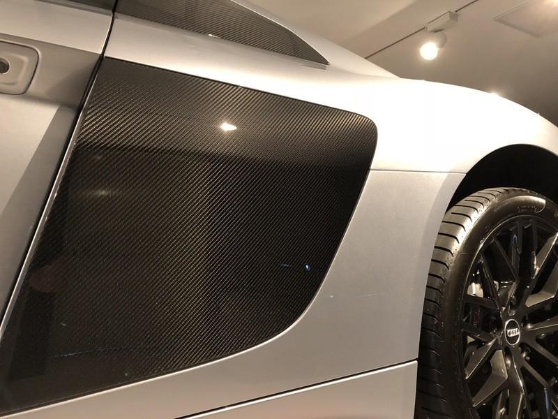 Admin&Brother vs Audi R8 V10 5WSxFZ