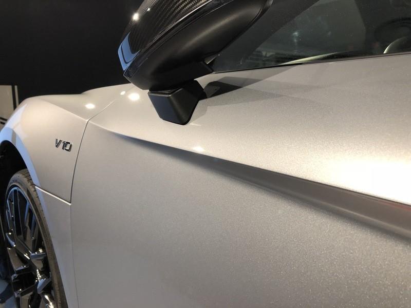 Admin&Brother vs Audi R8 V10 5t0eXc