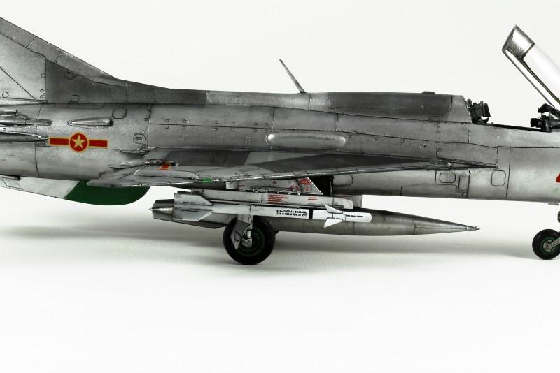 MIG 21PF NORD VIETNAM - EDUARD - 1/48 HxNstM