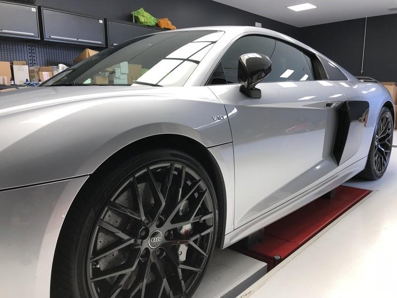 Admin&Brother vs Audi R8 V10 Z0NqQm