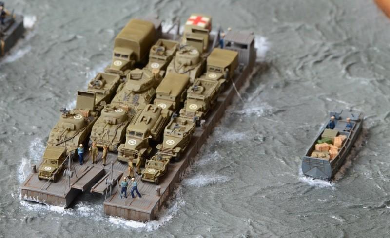 Diorama Port Mulberry A Omaha Beach 16 Juin 1944 au 1/350 - Scratch sur base Iron Shipwrights, Trumpeter et l'Arsenal 3sXUxt