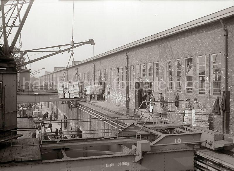 Grande grue 250 t port de Hambourg et Bismarck au 1/350 - Page 5 76rdQI