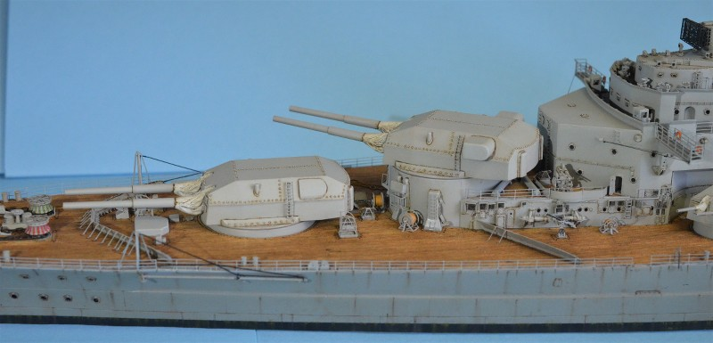 Grande grue 250 t port de Hambourg et Bismarck au 1/350 - Page 15 8KCCoR