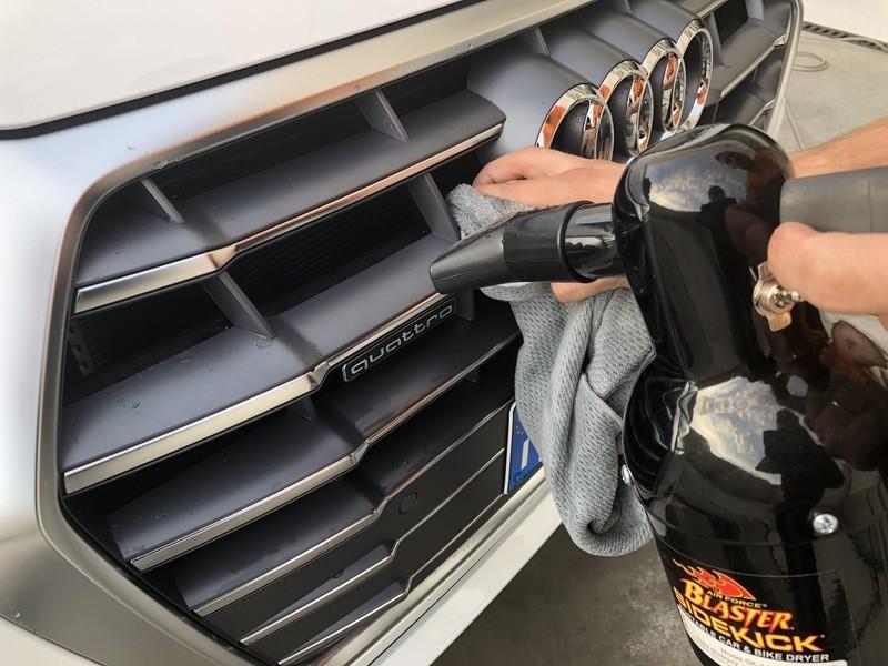 Admin&Brother vs Audi Q5 2018 MVOdA8