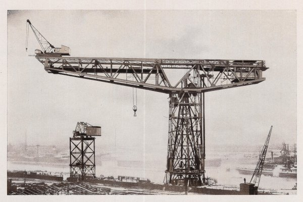 Grande grue 250 t port de Hambourg et Bismarck Revell au 1/350 NELr3R