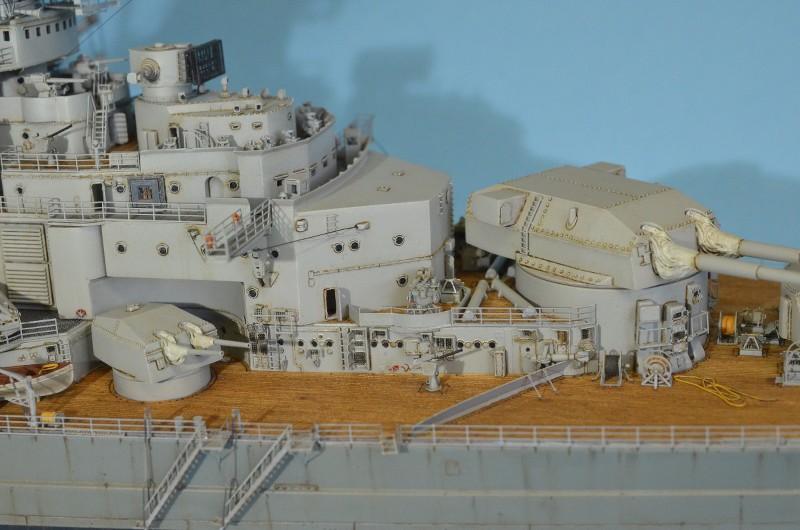 Grande grue 250 t port de Hambourg et Bismarck au 1/350 - Page 15 Dm1W1W