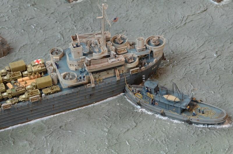 Diorama Port Mulberry A Omaha Beach 16 Juin 1944 au 1/350 - Scratch sur base Iron Shipwrights, Trumpeter et l'Arsenal PzNZhy