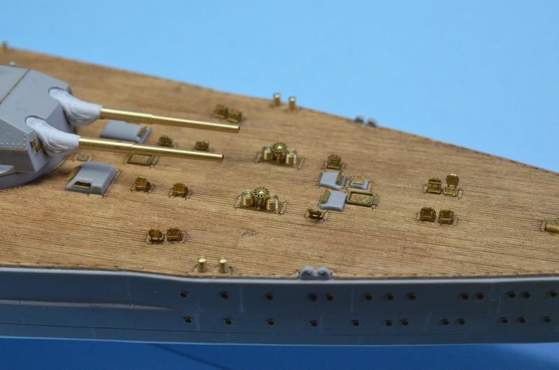 Dio : Grande grue 250 t port de Hambourg et Bismarck (1/350°) - Page 7 SydVMp