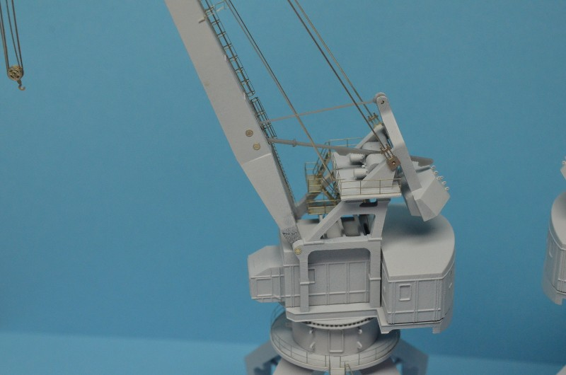 Diorama Class KIROV et Class SLAVA au 1/350 – Kit Trumpeter - Page 9 Wii3uV
